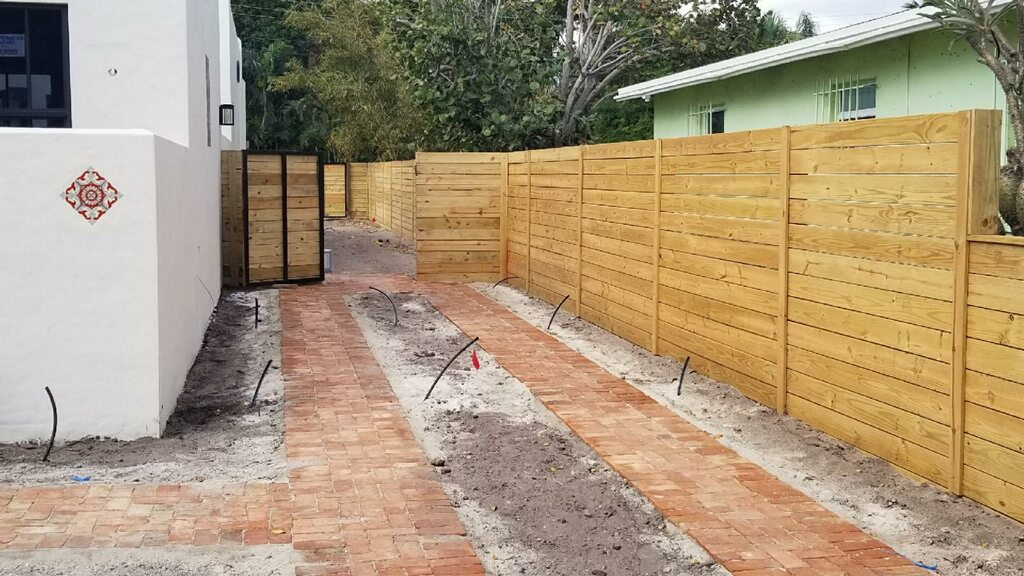wood fence installation in Peoria Arizona