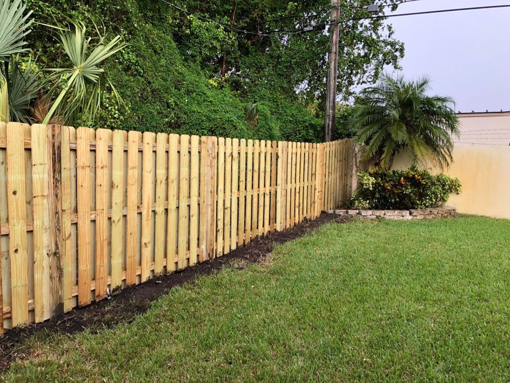 Fencing company Phoenix putting up a wood fence